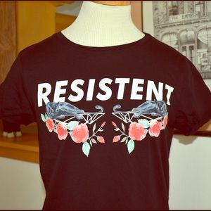 """Tops - """"Resistent"""" Black Panther Graphic T-shirt"""